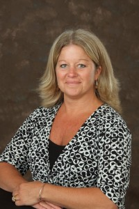 Darlene is a commercial insurance service agent.